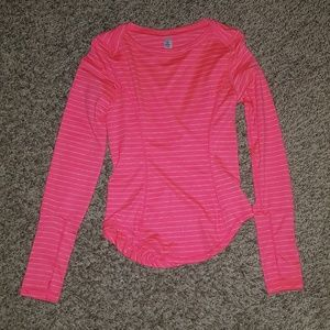 Girls athletic drift shirt w/ thumb holes